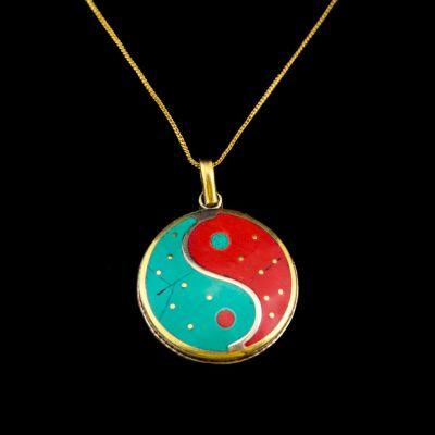 Ciondolo in ottone Yin&Yang rosso e turchese | pendente separato, con una catena - circonferenza 45 cm, con una catena - circonferenza 55 cm